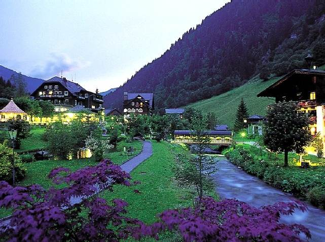 hotel gruner baum austria bad gastein evening